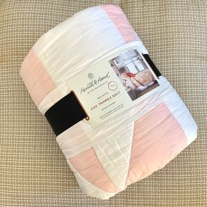 Quilt Twin Hearth & Hand Magnolia White Pink New